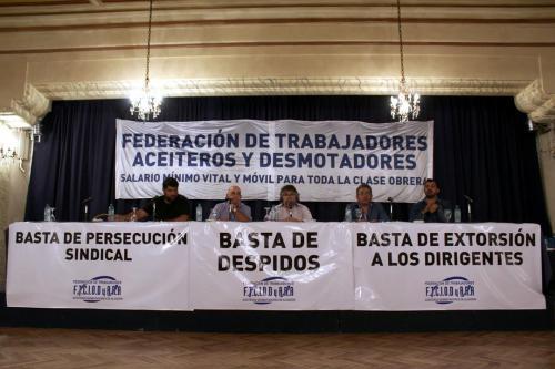 Mesa de apertura del  Noveno Plenario de Delegados.