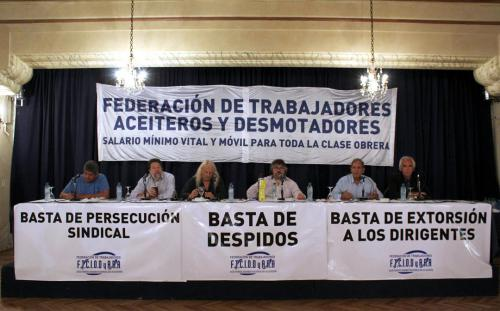 Panel: Rol del dirigente y actualidad del movimiento obrero, con Pablo Moyano, Claudio Lozano, Rubén Sobrero, Sergio Palazzo y Ricardo Peidro. Coordinador: Daniel Yofra.